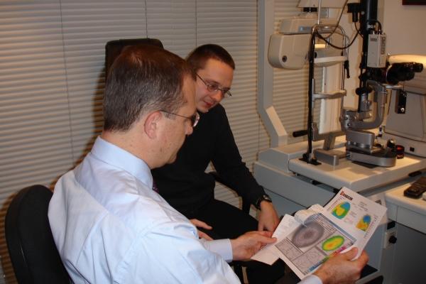 Le Dr Vryghem désire informer chaque client de manière personnelle et approfondie.